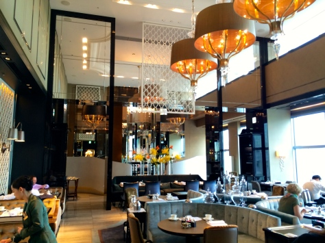 Shangri La Tokyo- Breakfast room