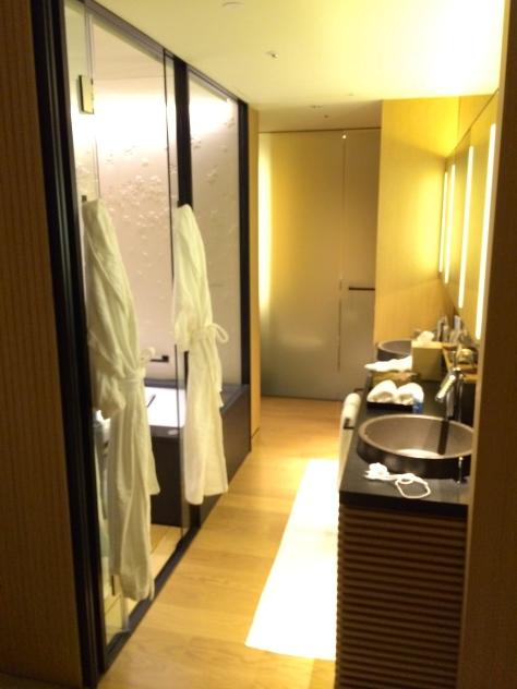 Ritz Carlton Kyoto - Luxury KAMOGAWA room -bathroom