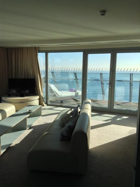 W Barcelona - Living room Spectacular corner suite