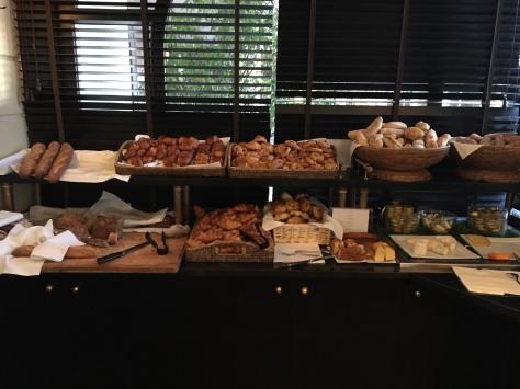 IHotel Majestic Barriere - breakfast