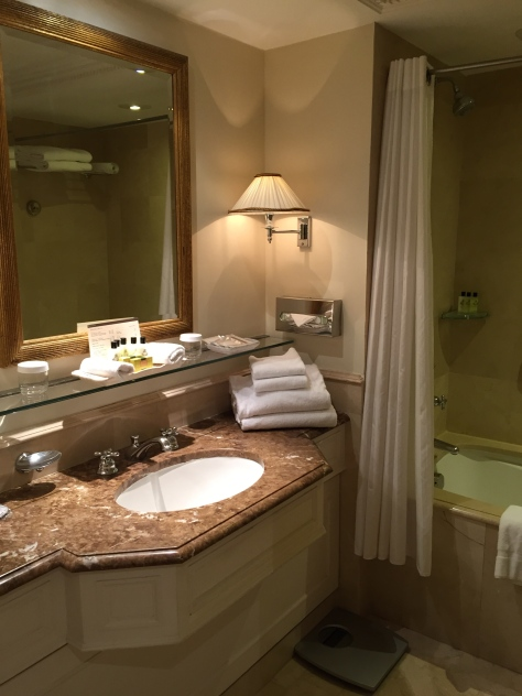 Intercontinental Carlton Cannes - bathroom