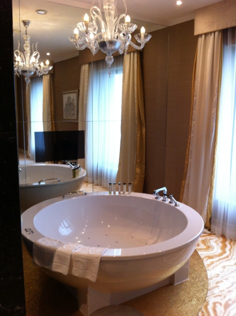 Kempinski River Park- suite bathroom